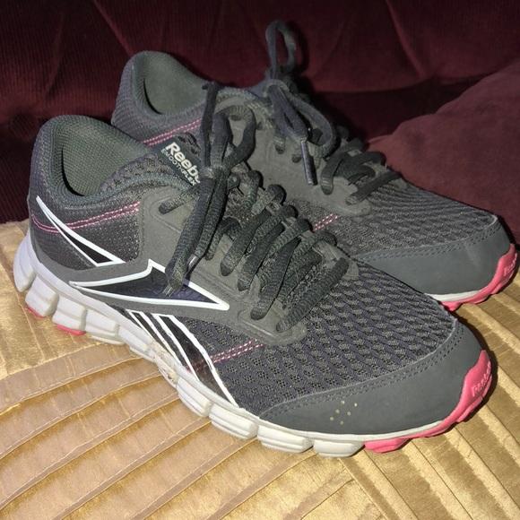 cf06000b5508 Reebok Shoes